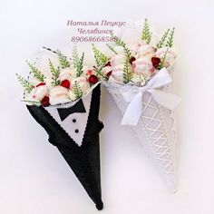Covered Cardboard Cones filled with Raffaellos - nice Inspiration Candy Flowers, Crepe Paper Flowers, Diy Flowers, Candy Crafts, Paper Crafts, Chocolate Flowers Bouquet, Valentine Baskets, Pot A Crayon, Candy Bouquet