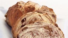 Bu haftasonu kahvaltılık ekmeğinizi kendiniz hazırlayın - Cevizli Elmalı Kahvaltı Ekmeği  /  Prepare your own bread for breakfast this weekend  Bread with walnut and apple  #wekeend #californiacevizi #haftasonu #californiawalnut
