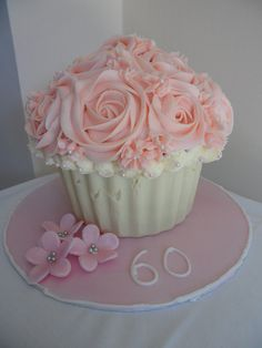 Giant cupcake cake- maybe make same design on regular cupcakes? Giant Cupcake Cakes, Large Cupcake, Small Cake, Cupcake Cookies, Mini Cakes, Cup Cakes, Ladybug Cupcakes, Kitty Cupcakes, Snowman Cupcakes