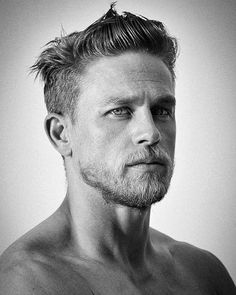"Charles Matthew ""Charlie"" Hunnam (born 10 April is an English actor. Charlie Hunnam, Pretty People, Beautiful People, Style Masculin, Hommes Sexy, Attractive Men, Moustache, Haircuts For Men, Gorgeous Men"