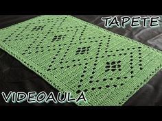 Como fazer um Tapete de Fogão - YouTube Crochet Carpet, Crochet Home, Love Crochet, Filet Crochet, Crochet Shawl, Crochet Doilies, Crochet Designs, Crochet Patterns, Crochet Table Runner