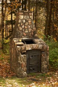 brick oven for outside...would love this.   Use old stove pieces ?