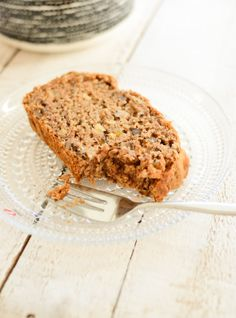 Vegan Banana and Walnut Bread (recipe adapted from Caroline Marie Dupont) from Scandi Foodie Walnut Bread Recipe, Banana Walnut Bread, Vegan Banana Bread, Vegan Bread, Baking Recipes, Snack Recipes, Dessert Recipes, Free Recipes, Raw Vegan Recipes