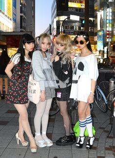 street snap. Korean Fashion Kpop, Korean Fashion Summer, Korean Fashion Casual, Japanese Street Fashion, Tokyo Fashion, Harajuku Fashion, Street Style Shoes, Casual Street Style, Winter Chic