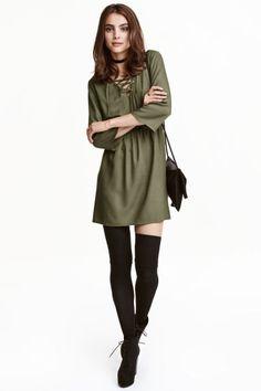 Kleid mit Schnürung | H&M