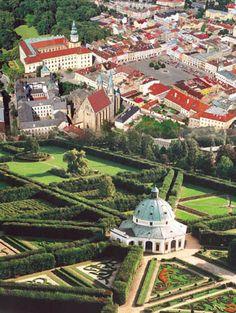 Arcibiskupský zámek a Květná zahrada, Kroměříž
