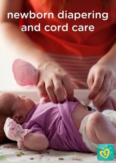 Learn how to properly change your newborn's diaper, as well as care for the umbilical cord, with this helpful list of changing and cleaning guidelines. These baby care tips may help keep your infant dry, happy, and healthy. Newborn Diapers, Newborn Care, Infant Care, Baby Newborn, Baby Care Tips, Baby Tips, Baby Information, Baby Learning, Baby Health