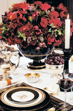Christmas: Glamour and Traditional/karen cox  Ralph Lauren Home sets a decadent, classic holiday table