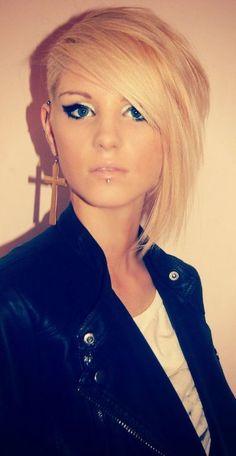 edgy asymmetrical blonde hair cut/style