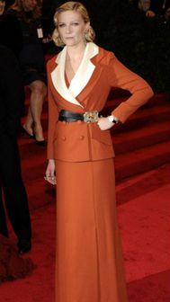 Look polêmico de Kirsten Dunst (Rodarte). Eu gostei! #MET
