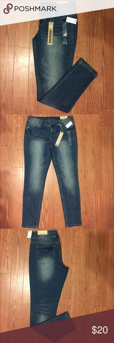 Maurices super soft jegging size Large Regular Maurices denim flex super soft jegging. Size Large Regular. New with tags. Maurices Jeans Skinny