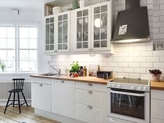 #kitchen #white #room #home #arthitecture #design #sweet #nice