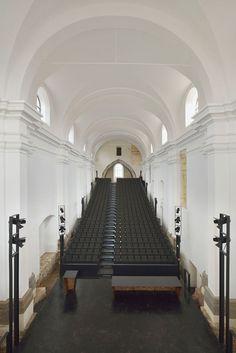 Реконструкция доминиканского монастыря в Птуе _01