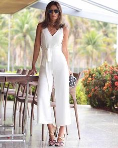 salopete gorgeous white jumpsuit The Wonders Of 925 Silver Article Body: There are so many different White Outfits, Classy Outfits, Cool Outfits, Summer Outfits, Casual Outfits, Fashion Outfits, Jumpsuit Outfit, White Jumpsuit, Pantalon Large