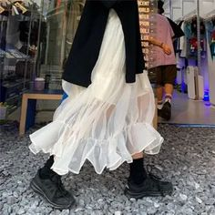 Look Fashion, Skirt Fashion, Korean Fashion, Fashion Outfits, Womens Fashion, Moda Aesthetic, Aesthetic Clothes, Moda Grunge, Spring Look