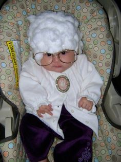 Greatest Geeky Halloween Costumes for Kids and Babies Geeky Halloween Costumes, Halloween Kids, Halloween Costumes For Children, Golden Girls Costumes, Baby Costumes, Sophia Golden Girls, Old Movies, Powerpuff Girls, Cool Kids