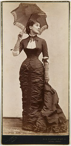 French theater star - and famed beauty - Alice Regnault, Paris ca. 1880. #Victorian #woman #1800s