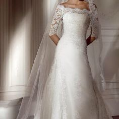 I think this is one of the prettiest wedding dresses I have ever seen.
