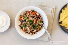 Ein Gericht, das in Mittel- und Südamerika gerne gegessen wird, ist Reis mit schwarzen Bohnen. Bekannt ist diese Kombination unter verschiedenen Namen. So heißt sie z. B. in Honduras und El Salvador Casamiento, in Kolumbien… Read More