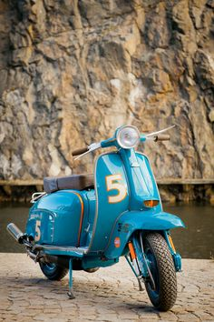 Love this color combination on this Lambretta.