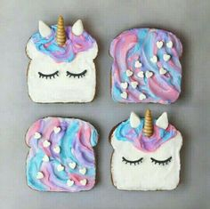 Breakfast ideas toast We offer you Unicorn tips about anything involved with Unicorns and Mermaid, including tips for unicorn gift ideas, crafts, and magical unicorn food You will never seen unicorn toast like this Yummy Treats, Sweet Treats, Yummy Food, Delicious Desserts, Mini Desserts, Unicorne Cake, Cake Fondant, Kreative Desserts, Handmade Christmas Crafts