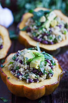 These Quinoa Stuffed Acorn Squash are a very easy dinner recipe and make for a filling and satisfying VEGAN dinner! Easy Dinner Recipes, New Recipes, Amazing Recipes, Delicious Recipes, Easy Recipes, Healthy Eating Recipes, Vegetarian Recipes, Healthy Food, Acorn Squash Recipes