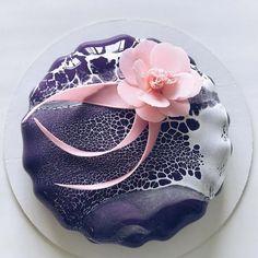 Artistic Desserts by Ksenia Nohryna – Inspiration Grid Creative Desserts, Creative Cakes, Beautiful Cakes, Amazing Cakes, Galaxy Cake, Mirror Glaze Cake, Pear Cake, Pastry Art, Crazy Cakes