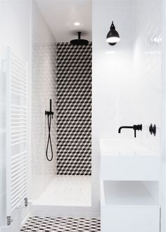 Small Bathroom Renovations 460211655663640620 - carrelage douche Source by Bad Inspiration, Bathroom Inspiration, White Bathroom, Small Bathroom, Bathroom Ideas, Black Bathrooms, Bathroom Caddy, Bathroom Designs, Gold Bad