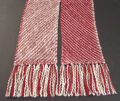 Ravelry: flowerdancer's Cranberry-Oatmeal Reversible Diagonal Scarf