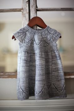 Maybe I should be knitting. Cause this is adorable. #KnitDress - The Clara Dress