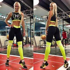 Ловите новинку!   Яркий стильный очень удобный костюм! Топ без чашек можно одевать с лифом. Леггинсы с имитацией гетр и компрессионным эффектом! Продаются отдельно!  Леггинсы 5150. Топ 3300 #yogalove #fitnessgirl #фитнес #лосины #fitnesslifestyle #спортивноепитание #телоклету #стрейчинг #попакач #ttfy #ttfyofficial