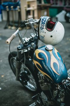 Bobbers, Choppers, Hot Rods, Guns, & Other Cool Shit Custom Paint Motorcycle, Bobber Motorcycle, Bobber Chopper, Custom Bikes, Old School Motorcycles, Cool Motorcycles, New Harley Davidson, Harley Davidson Motorcycles, Choppers
