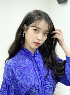 Shared by Mae💋. Find images and videos about kpop, Queen and iu on We Heart It - the app to get lost in what you love. Miss Korea, Iu Fashion, Korean Star, Korean Actresses, Korean Singer, I Am Awesome, Amazing, Ruffle Blouse, Kpop
