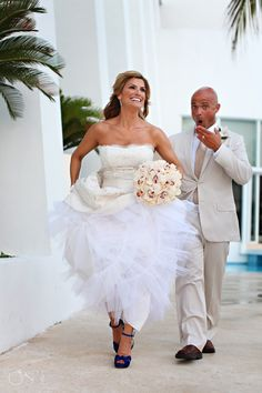 Cancun Wedding Le Blanc Resort, Trish in her gorgeous Paloma Blanca bridal gown. Such a fabulous couple!  Mexico wedding photographers Del Sol Photography