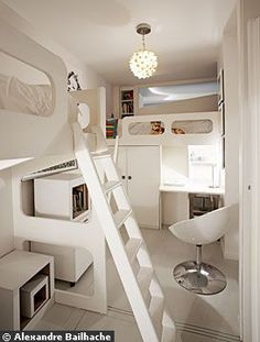 BOISERIE & C.: Miniappartamento a Parigi: 40 mq per 4 persone e 1 cane