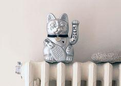 "Customized lucky cat ""Carpe Diem"" #luckycat #diminutocielo #currorubira"