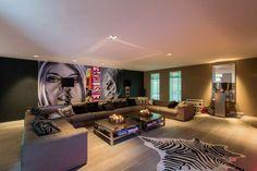 Ecksofa Brigitte Bardot Zebra Teppich Wohnzimmer einrichten