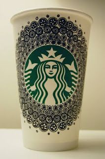 Do this on my reusable cup? Arte Starbucks, Starbucks Cup Drawing, Starbucks Cup Design, Copo Starbucks, Starbucks Coffee, Coffee Cup Art, Coffee Love, Hot Coffee, Disposable Cups