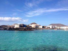 Isla de Lobos Canario, Canary Islands, Mansions, House Styles, Travel, Sand Beach, Wolves, Viajes, Manor Houses