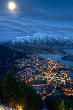 - Queenstown Overlook - NZ.