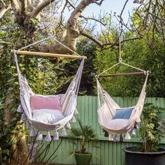 Diy Furniture Projects, Furniture Styles, Garden Furniture, Outdoor Furniture, Metal Outdoor Table, Outdoor Tables, Outdoor Decor, Hammock Swing Chair, Swinging Chair