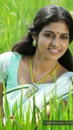 Beautiful Girl In India, Beautiful Girl Photo, Beautiful Women Pictures, Beautiful Smile, Beautiful Indian Actress, Indian Natural Beauty, Indian Beauty Saree, Beauty Full Girl, Beauty Women
