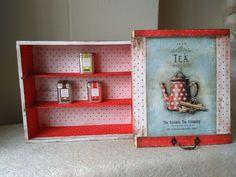 caja de madera, decorada con decoupage, estarcido y pintada a mano