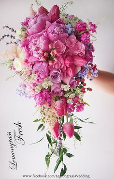 Waterfall size bouquet, surcharge will be applied