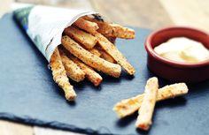 groentefriet van winterpeen en pastinaak met een knapperig korstje: heerlijk en gezonde friet, een voedzaam alternatief voor de standaard zak patat