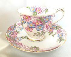 Vintage Royal Albert floral tea cup and saucer Vintage Tableware, Vintage Teacups, Antique Tea Cups, China Cups And Saucers, Bone China Tea Cups, Cuppa Tea, Antique China, Chocolate Pots, Sweet Tea