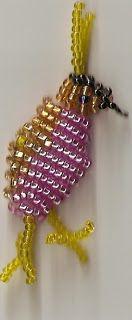 Figurer av små pärlor
