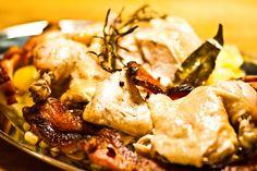 """Die neuste Ausgabe des Falstaff-Magazins trägt den Titel """"Glücksmacher - Wie wir mit Essen happy werden"""". Es trifft genau meine Idee und Vorstellung von gutem Essen, welches die tägliche Dosis Glück bedeutet, die jeder von uns braucht. In dem Beitrag kommt Paul Ivić, ein Wiener Koch mit…"""