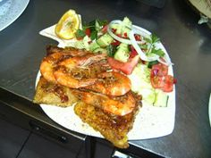 LEKKER RESEPTE VIR DIE JONGERGESLAG: CALAMARI STEAKS IN SOETRISSIE SOUS Calamari, Steaks, Seafood, French Toast, Tacos, Cooking Recipes, Breakfast, Ethnic Recipes, Beef Steaks