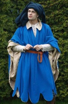 Very interesting color that some lower class/middle class characters could wear to pop. Since the play is fantasty-like this blue fits in. Medieval